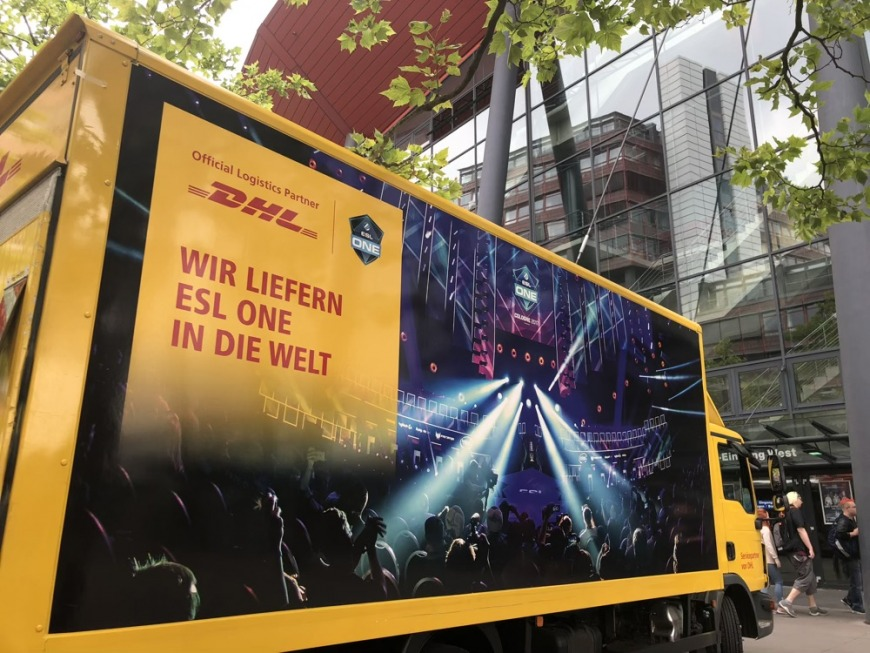 DHL Truck Cologne